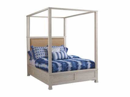 Shorecliff Canopy Bed